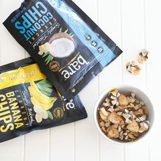 What do you get when you dip bare Banana Chips in dark chocolate & sprinkle with bare Coconut Chips? Snack perfection! #barebite #bananas #coconut #coconutchips #locoforcoco #bananachips #nongmo #glutenfree #bakedneverfried #chocolate #crunchon #baresnackattack #healthysnacks