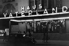 Haus Vaterland am Potsdamer Platz Eingang bei Nacht 1939