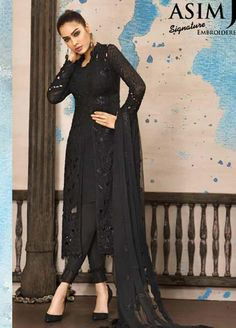 Discover the extensive variety of Asim Jofa Signature Dresses that go straight for an Luxury lifestyle. Pull off your chic look with Asim Jofa. Pakistani Dress Design, Pakistani Outfits, Indian Outfits, Pakistani Bridal, Kurti Designs Party Wear, Kurta Designs, Dress Indian Style, Indian Dresses, Indian Wear