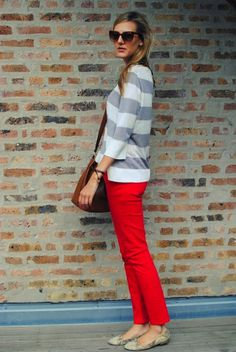 I love this. If that shirt was a cardigan, it'd be fabulous. Everything with #red #skinnies #loveit