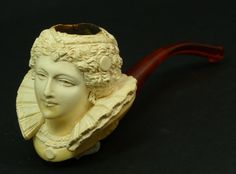 Vintage carved Meerschaum pipe of Queen Victoria. Measures Length with a bakelite mouth piece. Smokey Joe, Clay Pipes, Meerschaum Pipe, Pipes And Cigars, Tobacco Pipes, Pipe Dream, Smoking Pipes, Ambre, White Clay