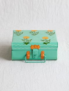 Kitchenware - Kitchen - Home Decor Ethnic Home Decor, Quirky Home Decor, Indian Home Decor, Painted Trunk, Painted Wooden Boxes, Hand Painted, Indian Interior Design, Diy Interior, Home Decor Furniture