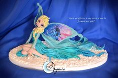 Fairy elsa Snow Queen by AngeniaC on deviantART entirely handmade pasta with polymer clay, without the use of molds, no painting. Polymer Clay Figures, Cute Polymer Clay, Cute Clay, Biscuit, Creation Deco, Fondant Tutorial, Clay Ornaments, Clay Design, Miniature Figurines