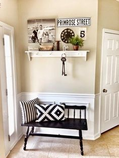 Entry way decor DIY. Home decor. Stripes. Mudroom. Black and white. Simple decor. Keys. Burlap. Pillows.