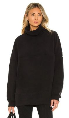 Coziness Pullover alo Chic Outfits, Summer Outfits, Fashion Outfits, Sweaters And Jeans, Black Sweaters, Sweater Dress Outfit, Casual Street Style, Revolve Clothing, Designing Women