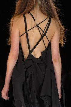 je veux faire une robe avec un dos comme ça :)
