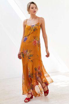 Ecote Hooka Floral Chiffon Midi Dress - Urban Outfitters