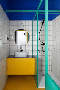 27 Inspirational Bathroom Color Ideas After: The third bathroom is the most vibrant of all, inspired by the vivid hues found at the Majorelle Garden in Marrakech. Even the grout is eye-catching; the duo developed its teal color with the installer. Student Apartment, Student House, Bad Inspiration, Bathroom Inspiration, Modern Bathroom, Small Bathroom, Bamboo Bathroom, Art Deco Bathroom, Retro Bathrooms