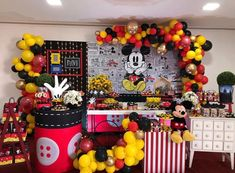 woodland first birthday Mickey Mouse Backdrop, Mickey Mouse Party Decorations, Minnie Mouse Balloons, Minnie Mouse Theme Party, Fiesta Mickey Mouse, Mickey Mouse Clubhouse Birthday Party, Mickey Mouse Parties, Mickey Birthday, Mickey Party