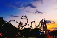 Enchanted Kingdom Philippines, Amazing Places On Earth, Countries To Visit, Travel Brochure, Carousels, Sky Aesthetic, Philippines Travel, Amusement Park, Roller Coaster