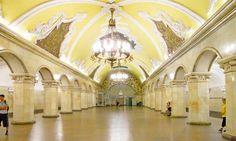 Moscow's beautiful Komsomolskaya station (Creative Commons: Flick User Rosa Dik 009 -- on & off)