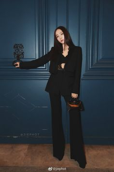 Jessica Jung Hermès show pfw 2019 Snsd Fashion, Fashion Idol, Korean Fashion, Fashion Outfits, Womens Fashion, Jessica Black, Jessica & Krystal, Krystal Jung, Classy Outfits