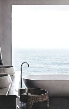 Bathroom with a view Edoardo Villa | Beach House