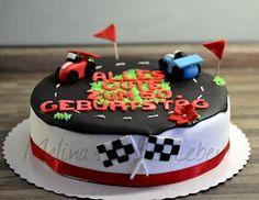 Melina's süßes Leben: Formel 1 Torte / Rennauto Torte Auto Party, Fondant, Birthday, Desserts, Food, Places, Chocolate Pies, Cake Ideas, Bakken