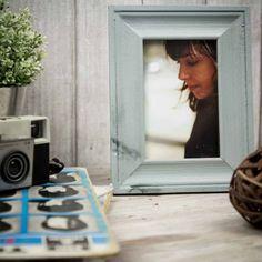 Marco de fotos azul pastel. A la venta en: www.mrwonderfulshop.es