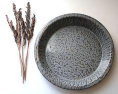 Antique Vintage Speckled Gray Porcelain Graniteware Splatter Enamelware Chuckwagon Plate Pie Pan Saucer Dish Bowl (E.3)