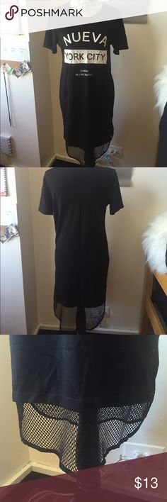 Nueva York city dress Nueva York City black short sleeve dress with mesh at bottom. Goes down to about shin length, super cute piece! Forever 21 Dresses Midi