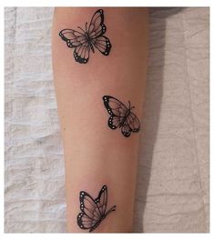 Butterfly Tattoos On Arm, Floral Thigh Tattoos, Butterfly Tattoos For Women, Cute Tattoos For Women, Wrist Tattoos For Women, Creative Tattoos, Unique Tattoos, Dope Tattoos, Tatoos