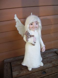 Needle felted Angel by Merja Valaskari.