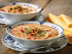 Chipotle Tuna Corn Chowder - Take 5 Recipes - Clover Leaf Canada Chowder Recipes, Soup Recipes, Cooking Recipes, Recipies, Tuna Recipes, Quick Recipes, Cream Of Potato Soup, Whats For Lunch, Frozen Corn