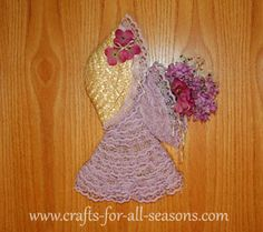 Spring crafts celebrate the birth of a new season. You will find lots of flower crafts, and things to brighten your home!