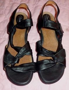 1fb9e3c64 Clarks Sandals - Up to 90% off at Tradesy