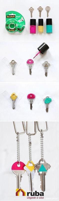 ¡Una excelente idea para diferenciar tus llaves! Con este DIY siempre sabrás cuales son las llaves de tu casa Ruba, no te confundas #HazloConRuba  Aquí puedes encontrar paso a paso como puedes realizar la decoración de tus llaves: http://unasdegato.blogspot.mx/2014/08/como-decorar-tus-llaves-con-esmalte-de.html
