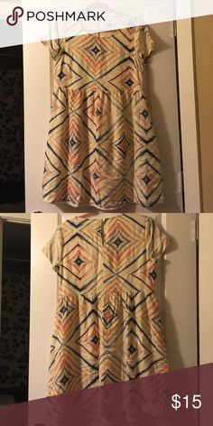VACATION HOLD BEGINS TOMORROW NWOT Old Navy Dress Multi colored short sleeve dress Old Navy Dresses
