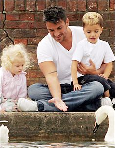 Peter Andre such a good dad! Peter Andre Kids, Perfect People, Celebrity Dads, Love Affair, Celebs, Celebrities, Best Dad, Fangirl, Family Guy