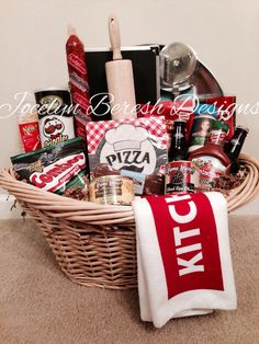 Pizza Night Basket by Luxury gift baskets. Pizza Night Basket by Luxury gift baskets. Family Gift Baskets, Diy Gift Baskets, Christmas Gift Baskets, Family Gifts, Homemade Gift Baskets, Basket Gift, Christmas Gifts For Guys, Holiday Gifts, Family Presents