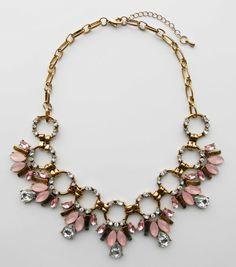 Collar Barroco Rosa 5,99euros http://www.missbrumma.com/#!product/prd1/2737938911/collar-barroco-rosa