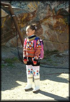 Greenland girl--traditional costume Little Mermaid Statue, The Little Mermaid, Folk Costume, Costumes, Inuit People, Beaded Collar, Traditional Clothes, People Around The World, Iceland