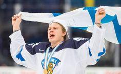 Kasperi Kapanen kertoi voittomaalistaan kultajuhlissa.
