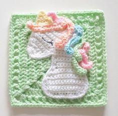 Sleeping unicorn square - free crochet pattern by Lisa Hooper / Cutecrochetmakes. Part of the Unicorn Dreams Blanket CAL Crochet Applique Patterns Free, Granny Square Crochet Pattern, Crochet Blanket Patterns, Free Crochet, Free Knitting, Crochet Appliques, Crochet Edgings, Loom Patterns, Crochet Blankets