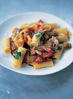 rigatoni pasta with peppers and creamy mascarpone by Jamie Oliver Tomato Pasta Recipe, Pasta Recipes, Dinner Recipes, Cooking Recipes, Jamie's Recipes, Veggie Pasta, Cooking Pasta, Risotto Recipes, Recipe Sites