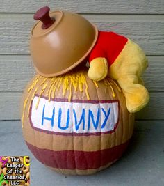 Winnie the Pooh Honey Pot Pumpkin My daughter had a book and pumpkin contests where she picked out her favorite book and created a pumpkin to go along with the characters in her book. Her choice was Winnie the Pooh,. Halloween Tags, Theme Halloween, Diy Halloween Decorations, Halloween Crafts, Pumkin Decoration, Halloween Witches, Halloween 2019, Halloween Christmas, Fall Decorations