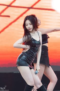 Best 11 180929 Asia Tour in Taipei (Apinksne) – SkillOfKing. Pretty Asian, Beautiful Asian Women, Cute Asian Girls, Cute Girls, Korean Beauty, Asian Beauty, Ahn Jae Hyun, Apink Naeun, Leder Outfits