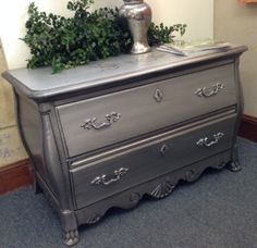Painted with Silver Star metallic from The Couture Collection!(TM) - Paint Couture!(TM) then glazed with Zinc Glaze Couture!(TM)
