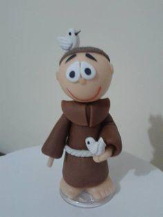 Santo Antônio em biscuit. Fazemos todos os santos em biscuit, escolha o seu e faça o pedido.
