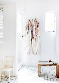 Sydney Northern Beaches Home · Mark and Louella Tuckey and Family — The Design Files Bathroom Inspiration, Design Inspiration, Bathroom Floor Tiles, Wood Bathroom, Washroom, White Bathroom, Bathroom Ideas, Deco Boheme, Interior Decorating