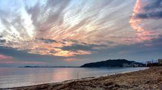 22 Sept. 6:09 朝焼け(sunrise glow)の博多湾です。 ( Morning Now at Hakata bay in Japan )