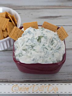 Onion Dill Dip - a creamy yogurt based dip that is a perfect complement for spicy snacks Dip Recipes, Real Food Recipes, Sauce Recipes, Yummy Recipes, Great Appetizers, Appetizer Recipes, Yummy Snacks, Yummy Food, Best Spaghetti Sauce