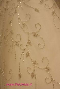 Milano, Gowns, Chain, Jewelry, Fashion, Vestidos, Moda, Dresses, Jewlery