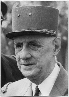 """EXCLUSIV Iulian Vlad, fostul şef al Securităţii, rupe tăcerea: """"Procesul lui Ceauşescu a avut trei etape. La Târgovişte s-a executat sentinţa!""""   adevarul.ro"""
