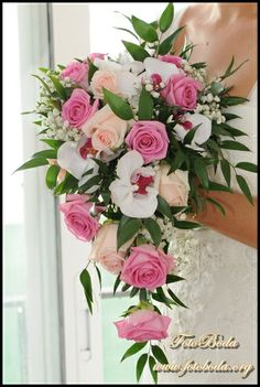 En cascada y tonos rosas Boquet, Flower Arrangements, Floral Wreath, Wreaths, Wedding, Beautiful Things, Brides, Bathroom, Engagement
