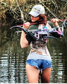 #bowfishing #bowhunting #girlswhofish #girlswhobowfish