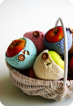 Basket of cozy apples