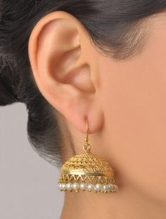 Gold And Silver Earrings Hoops Key: 5765104035 Pearl Jhumkas, Gold Jhumka Earrings, Jewelry Design Earrings, Gold Earrings Designs, Designer Earrings, Beaded Earrings, Indian Jewelry Sets, Silver Jewellery Indian, Silver Jewelry