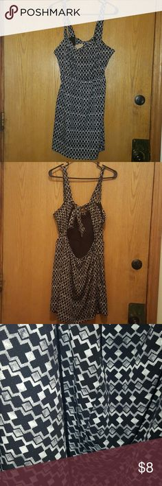Forever 21 cross patterned summer dress Cream and black crowd patterned dress. Lightweight summer dress with sexy and cute back tie. Stretchy back for a comfortable fit! Only worn once. Forever 21 Dresses Mini
