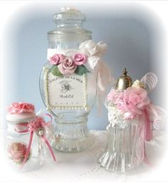 Con cintas flores de porcelana de seda y cintas